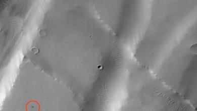 صورة استخدام الذكاء الاصطناعي في تحديد وتصنيف السمات والعلامات الجيولوجية على سطح المريخ