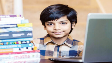 صورة الطفل كاوتيليا كاتاريا.. أصغر مبرمج للذكاء الاصطناعي في العالم