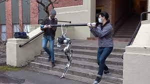 """صورة روبوت أعمى يتعلم صعود الدرج بتقنية """"الحس العميق""""!"""