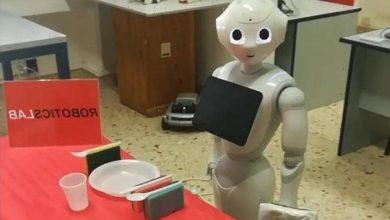 """صورة """"روبوت"""" يلبي الطلبات حسب """"الإتيكيت"""""""