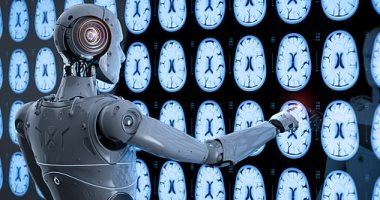 صورة رئيس مايكروسوفت يشدد على ضرورة حماية الناس من الذكاء الاصطناعى