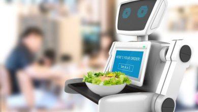 صورة الروبوت بديل للنادل في اليابان وسينغافورة